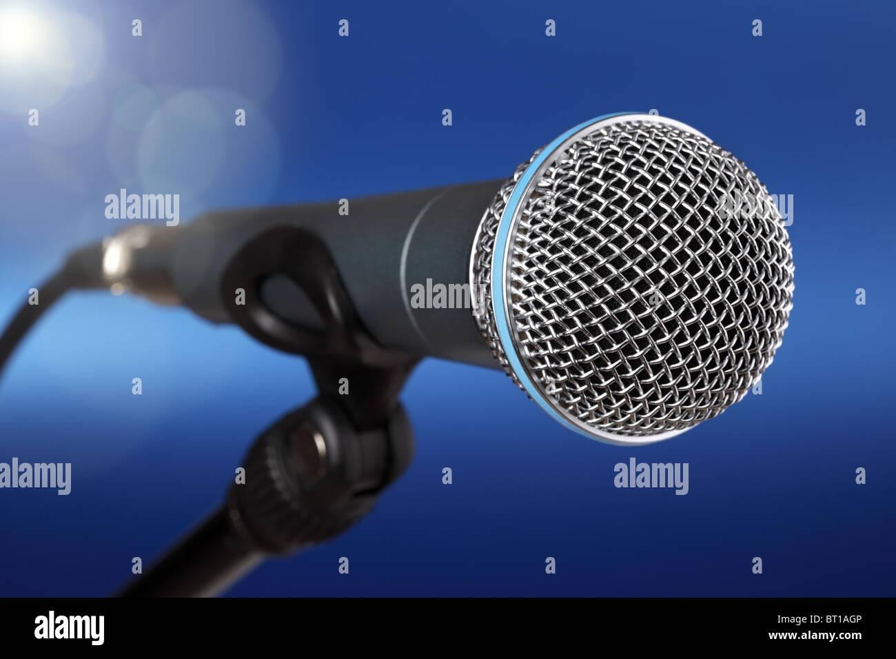 Microphone sur scène Banque D'Images