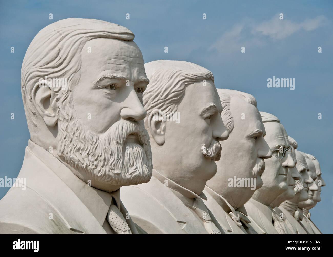 Sculptures en béton blanc de présidents des USA, à David Adickes Sculpturworx Studio à Houston, Texas, USA Banque D'Images