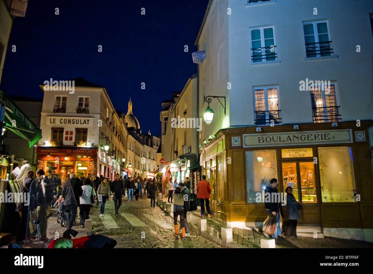 Paris, France, scène de rue parisienne en visite de Montmartre, parisien, dans la nuit, le Français Boulangerie, boulangerie, extérieur Banque D'Images