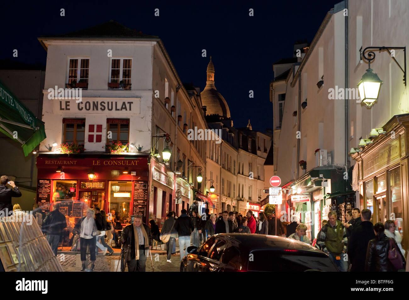 Paris, France, scène de rue, les gens se rendant sur Montmartre, parisien, dans la nuit, Banque D'Images