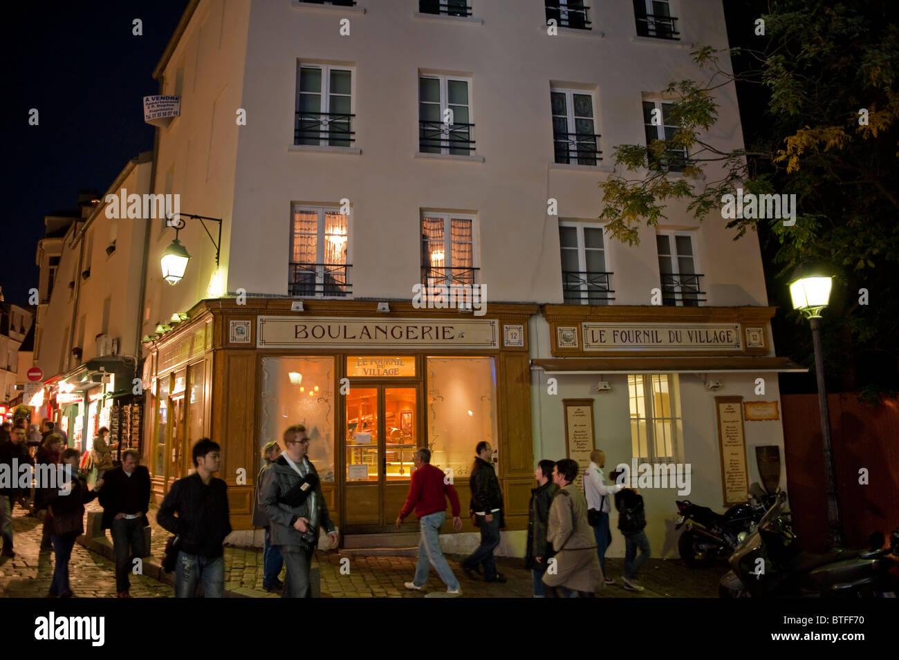 Paris, France, Street Scene, personnes visitant le quartier de Butte Montmartre, la boulangerie de la boulangerie Banque D'Images