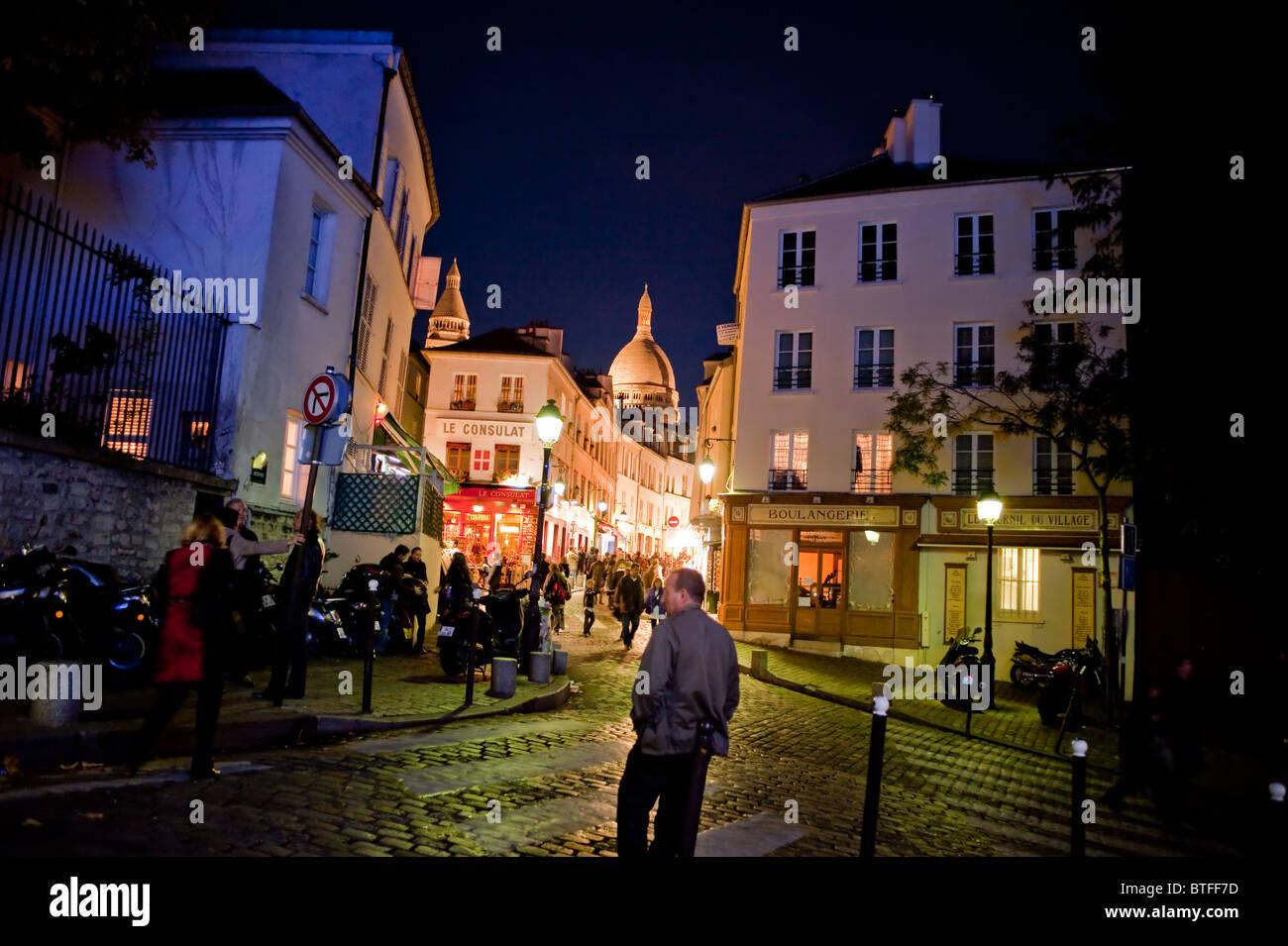 Paris, France, Street Scene, personnes visitant le quartier de Montmartre, quartiers nocturnes Banque D'Images