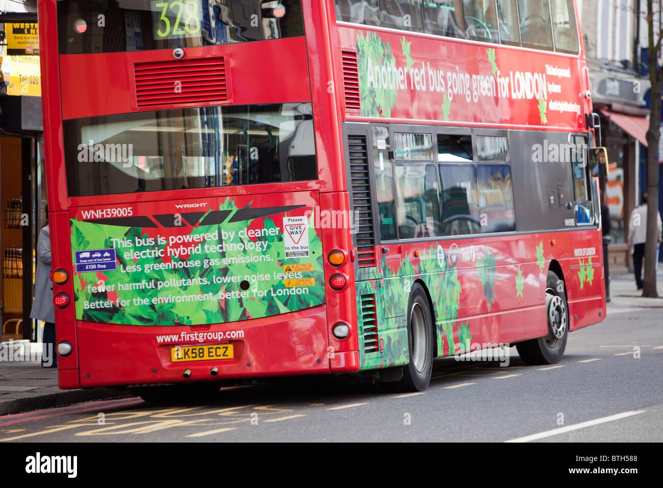 Un bus de la technologie hybride électrique à Londres. Partie de transports pour Londres s'est engagé à réduire Banque D'Images