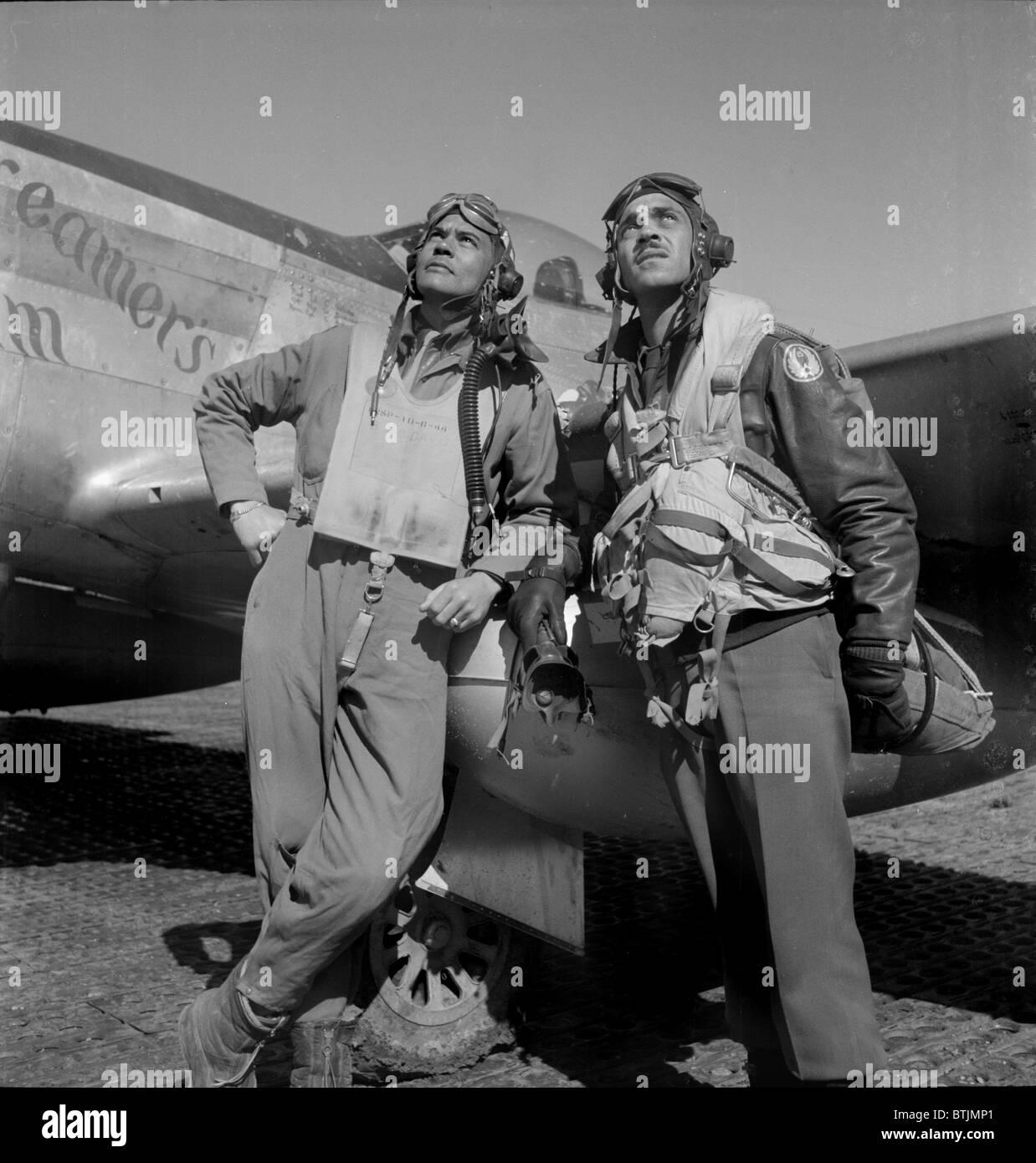 Le colonel Benjamin O. Davis, et Edward C. Gleed, base aérienne, par Toni Frissell, Ramitelli, Italie, mars Photo Stock