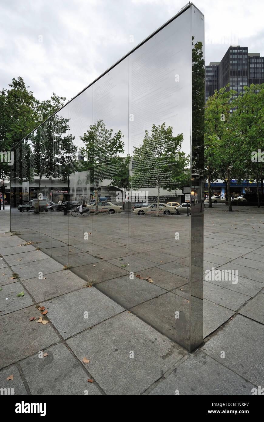 berlin. l'allemagne. spiegelwand, le mémorial du mur miroir sur