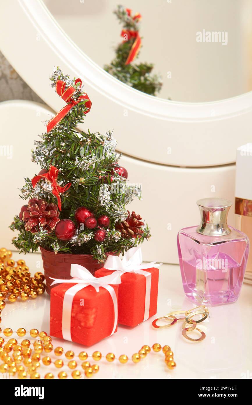 Composition de Noël sur la table de toilette lady Photo Stock