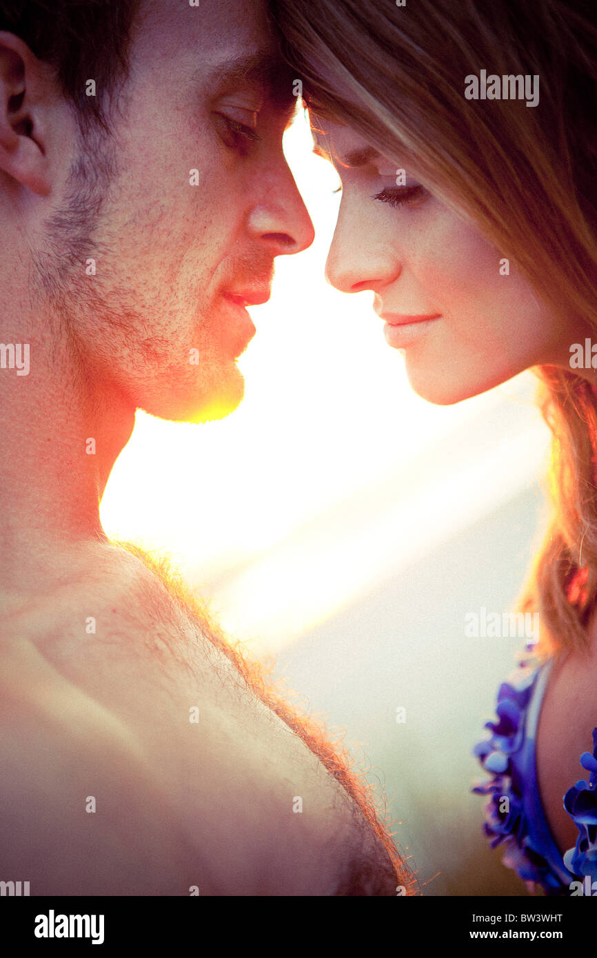 Couple de toucher leur front Photo Stock