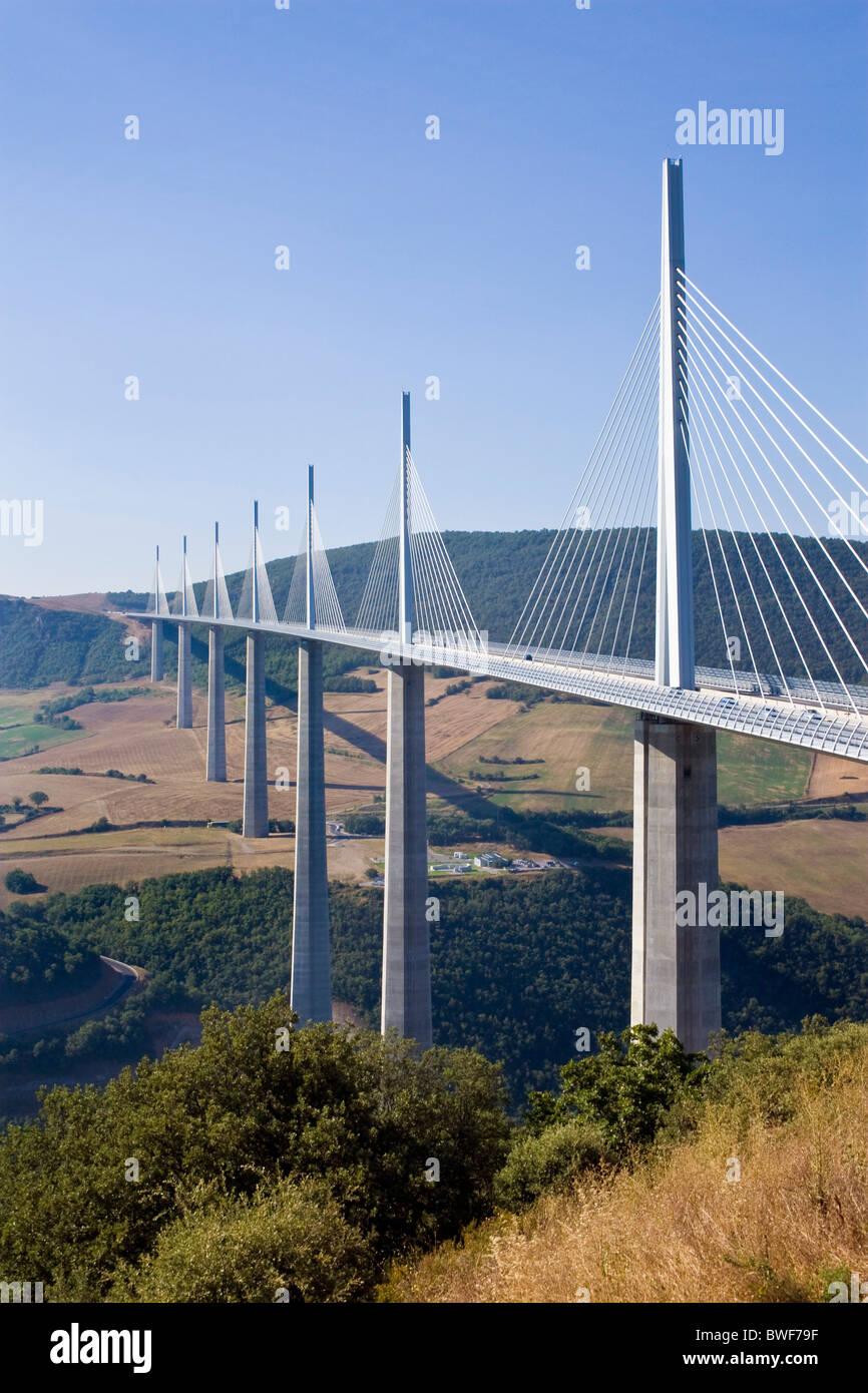Viaduc De Millau Le Pont Le Plus Haut Au Monde Millau