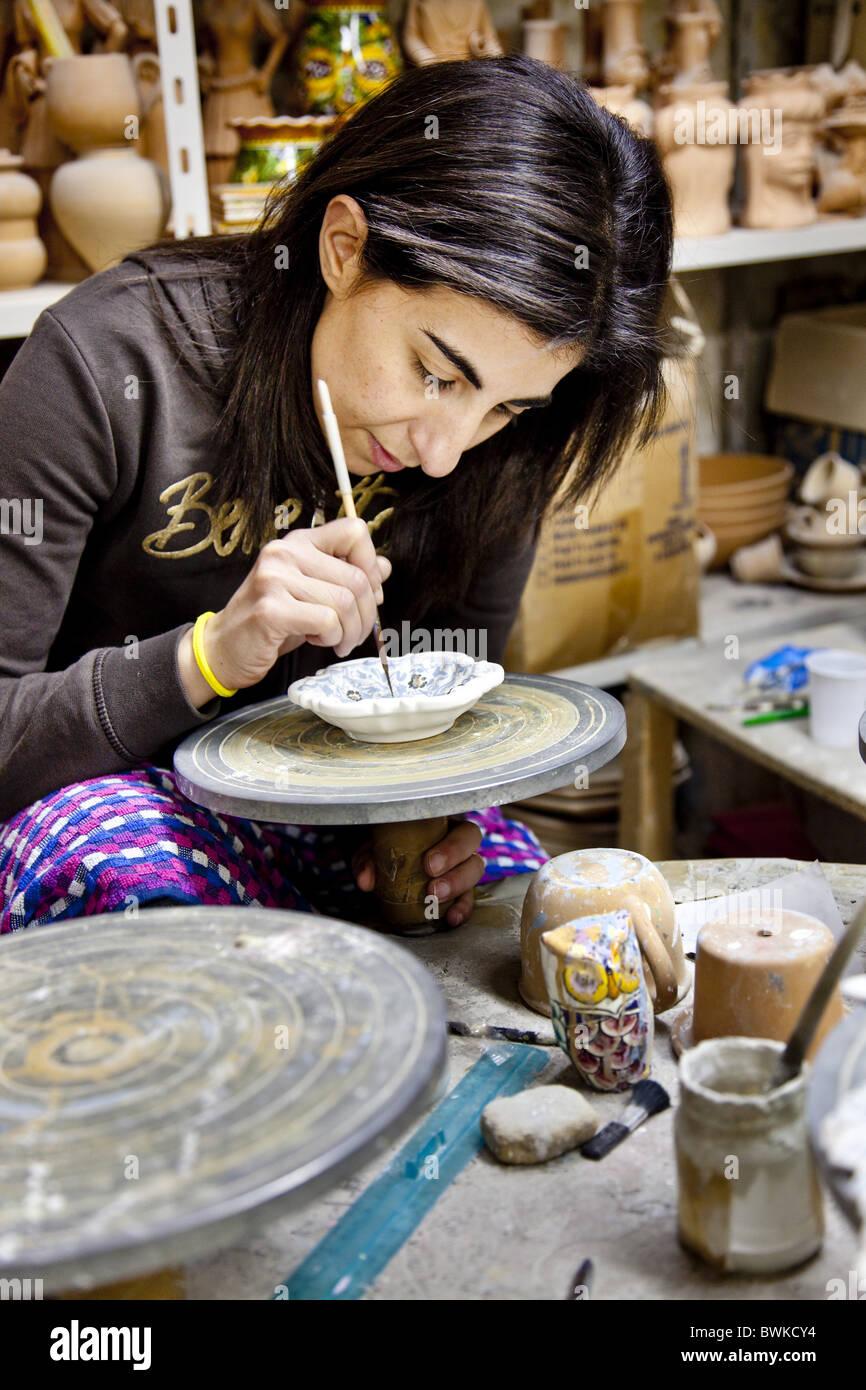 La peinture des femmes, Caltegirone la poterie, Sicile, Italie Photo Stock