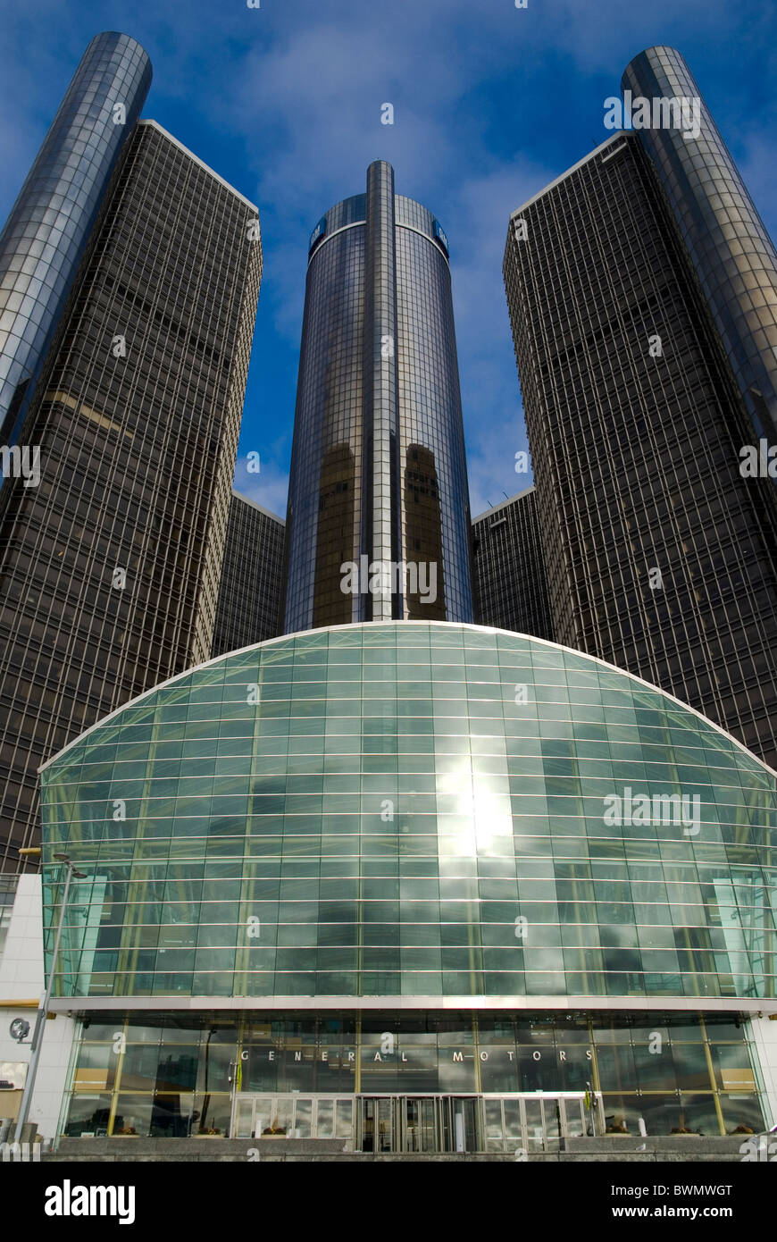 Le GM Renaissance Center est un groupe de sept gratte-ciel interconnectés dans le centre-ville de Detroit, Photo Stock
