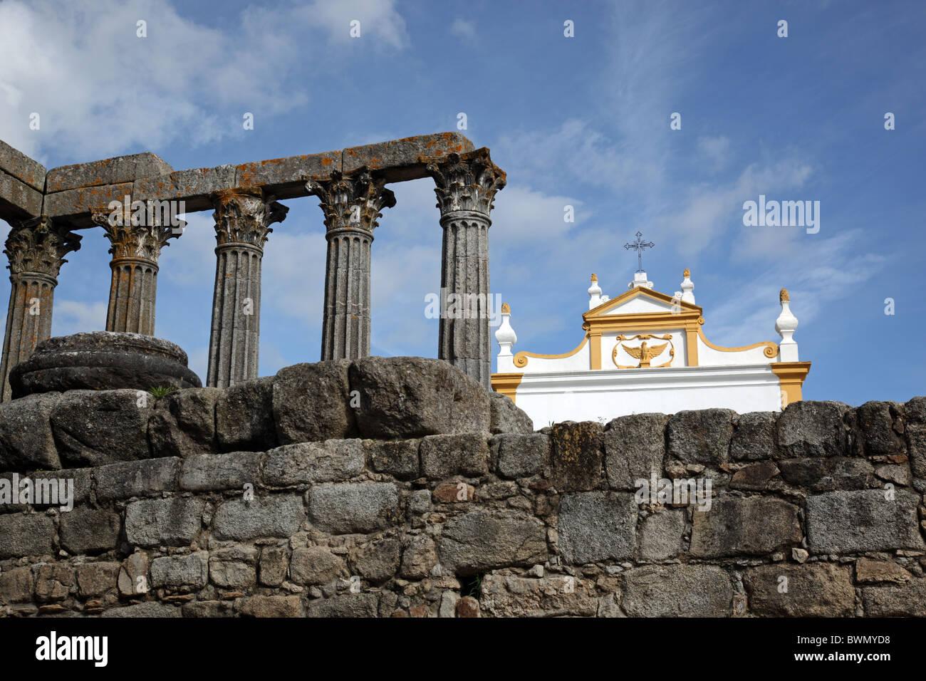 Le Temple romain de Diana et Convento de Sao Joao Evangelista à Evora Alentejo Portugal Europe Banque D'Images