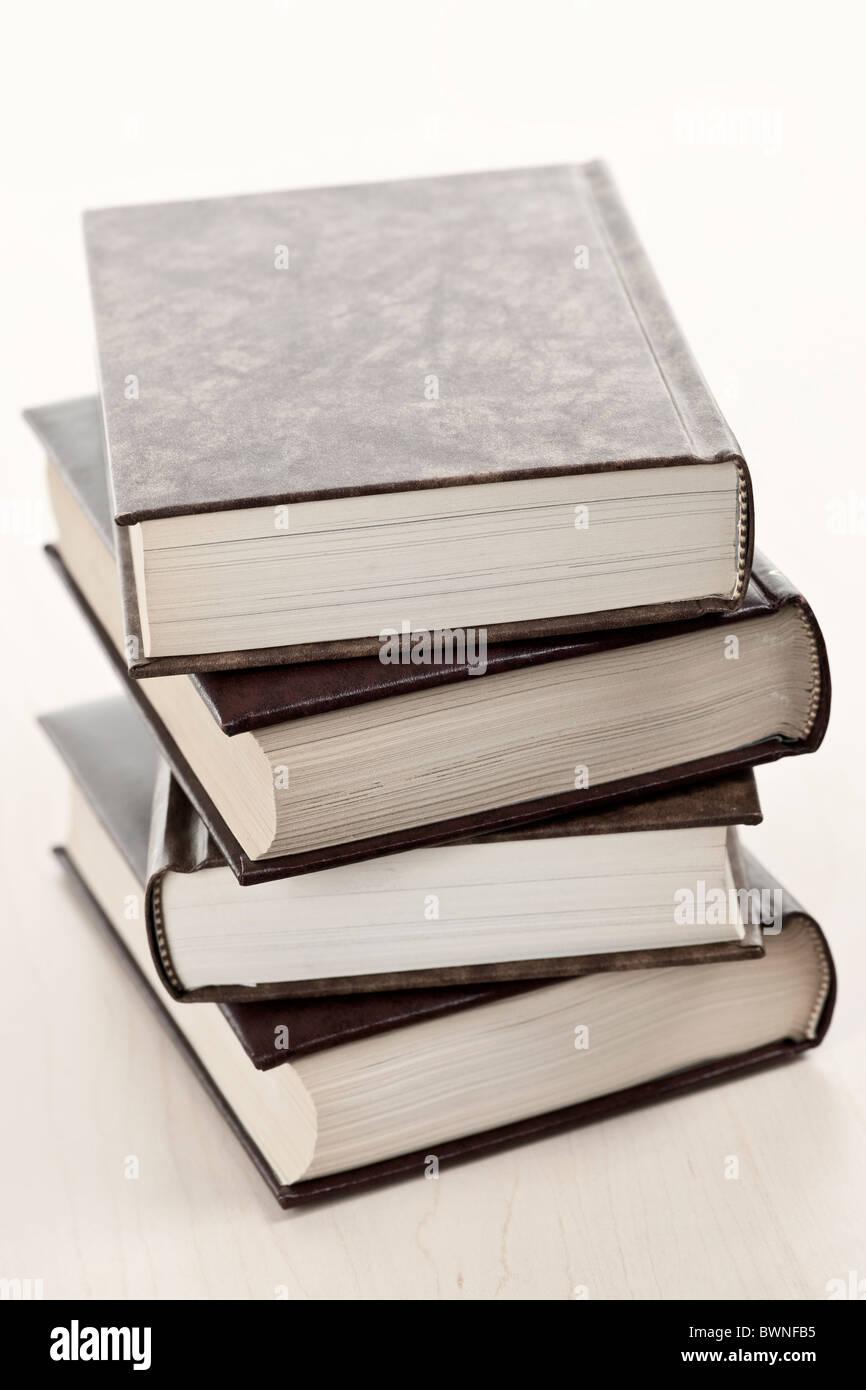 De Vieux Livres Relies En Cuir Couverture Rigide Banque D