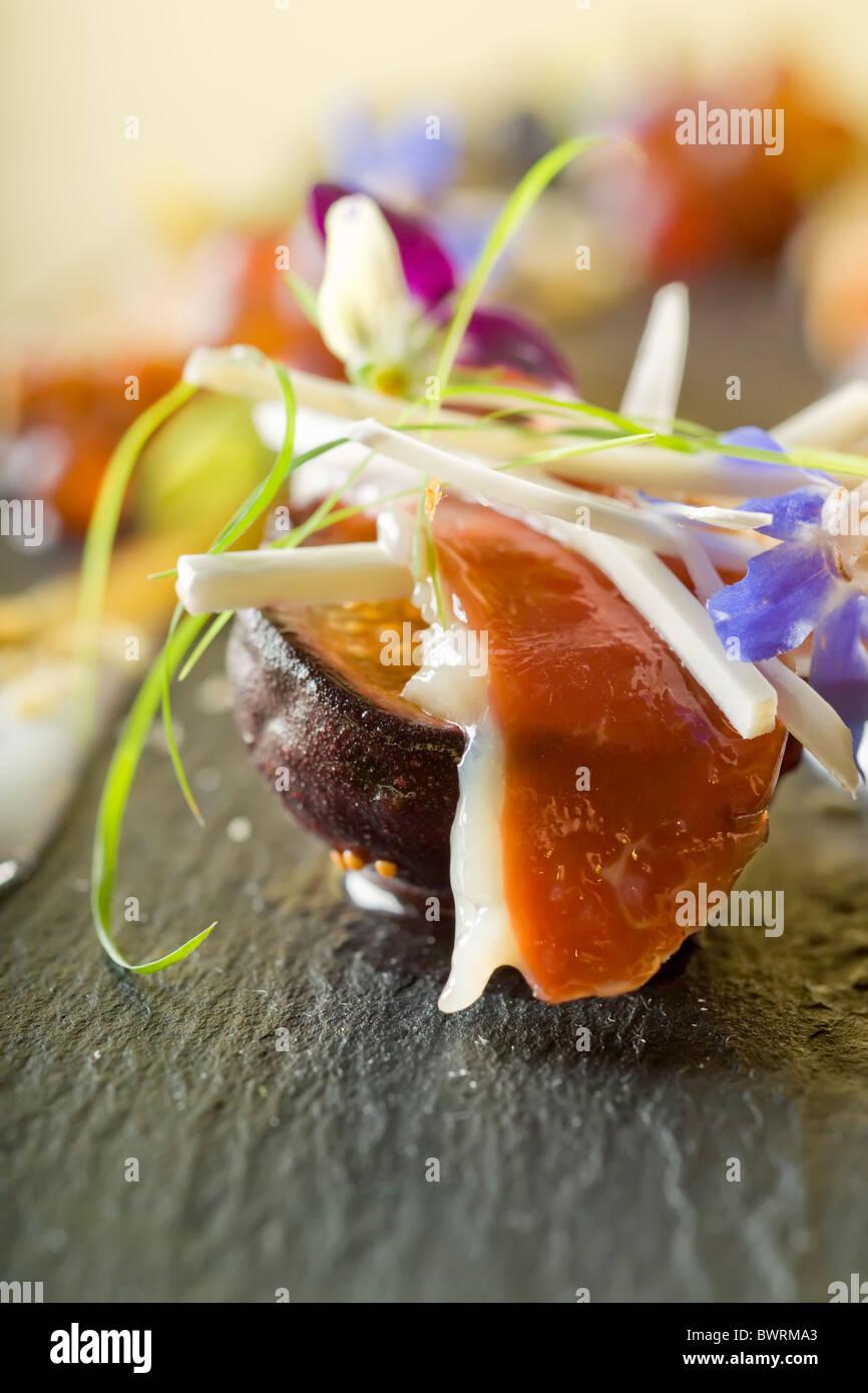 Sur le fruit de la tranche de prosciutto de canard Photo Stock