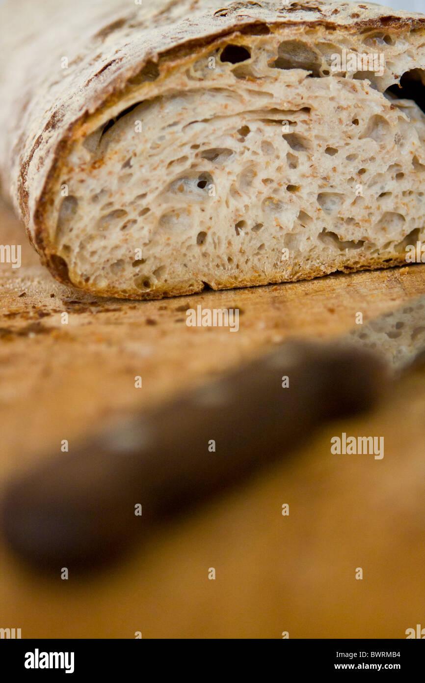 Une miche de pain rustique à Paustian Restaurant à Copenhague, Danemark. Photo Stock