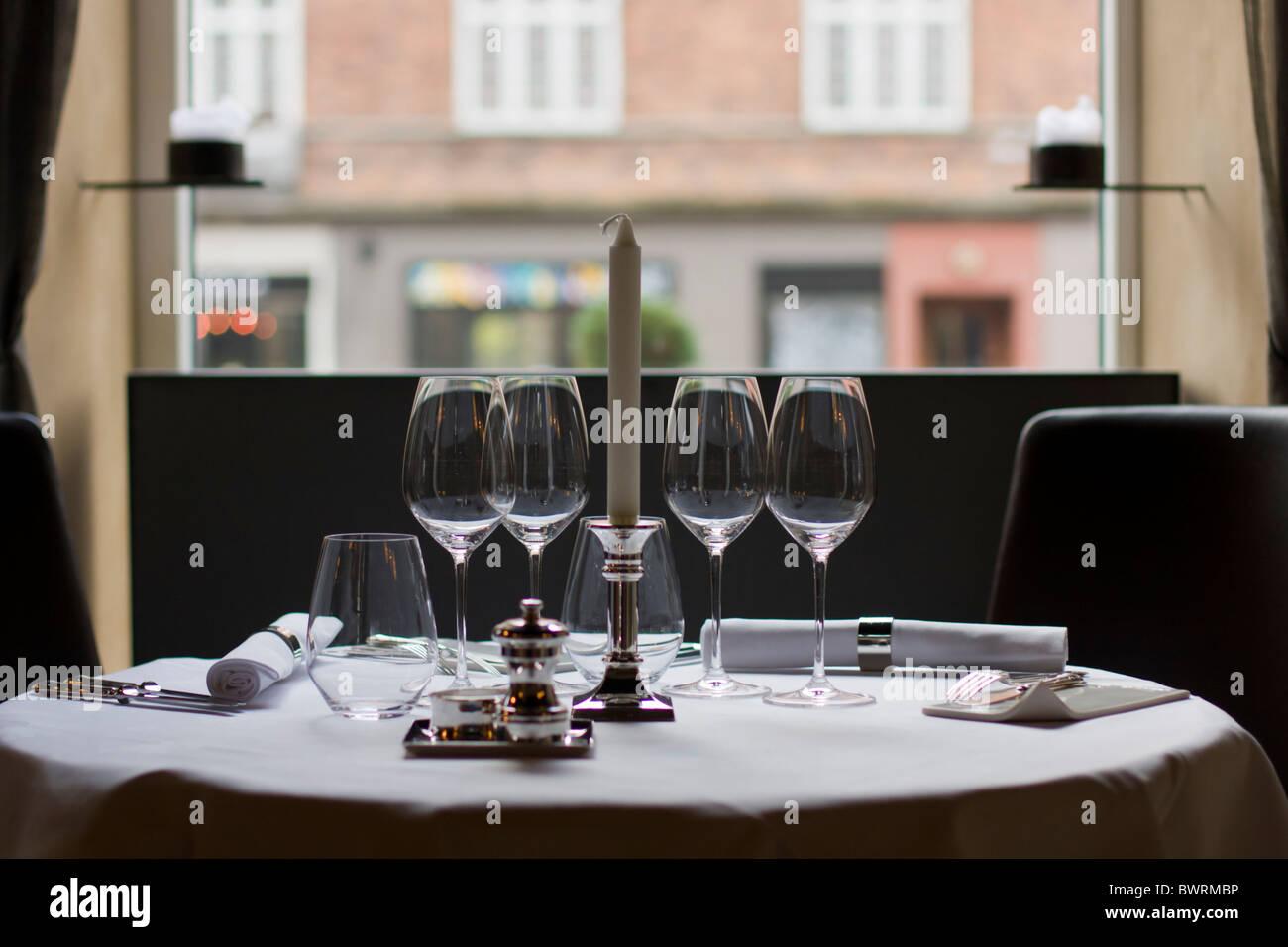 Détails de la salle à manger au restaurant Formule B, à Copenhague, au Danemark. Photo Stock