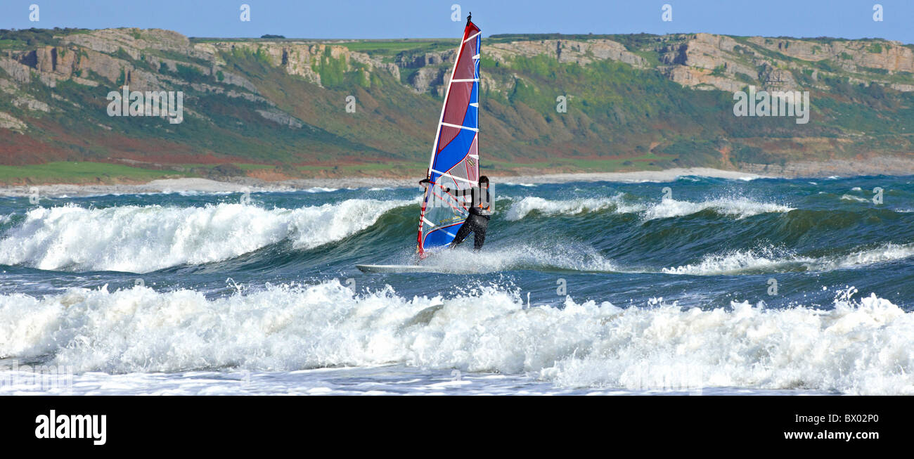 La planche à voile à la péninsule de Gower Wales Photo Stock