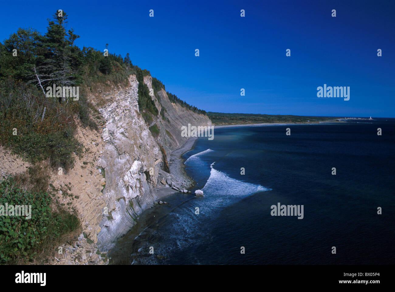 Canada Amérique du Nord Amérique latine Le cap Bon Ami cliffs coast Gaspésie Québec rock mer Photo Stock