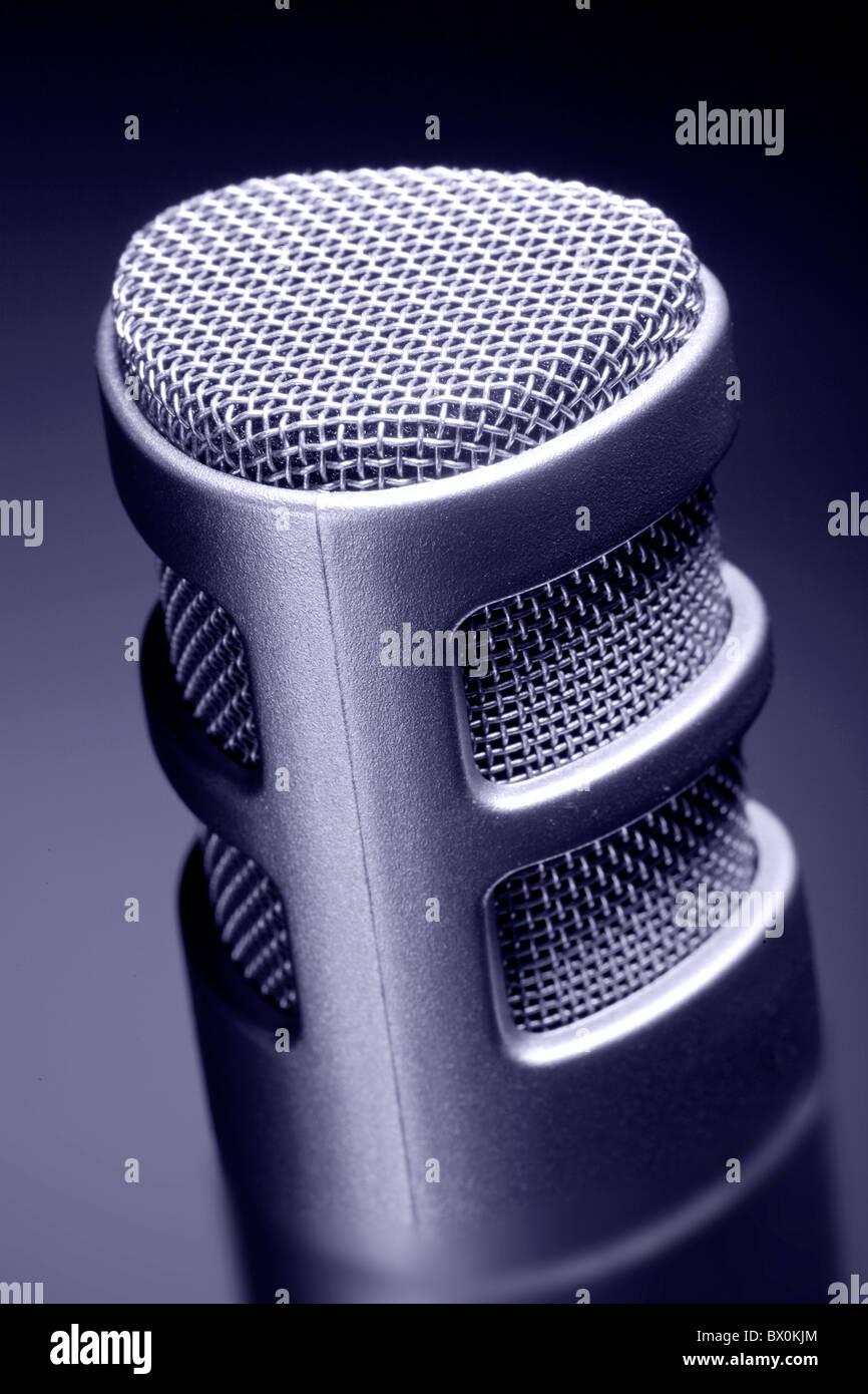 Près d'un microphone d'enregistrement Photo Stock
