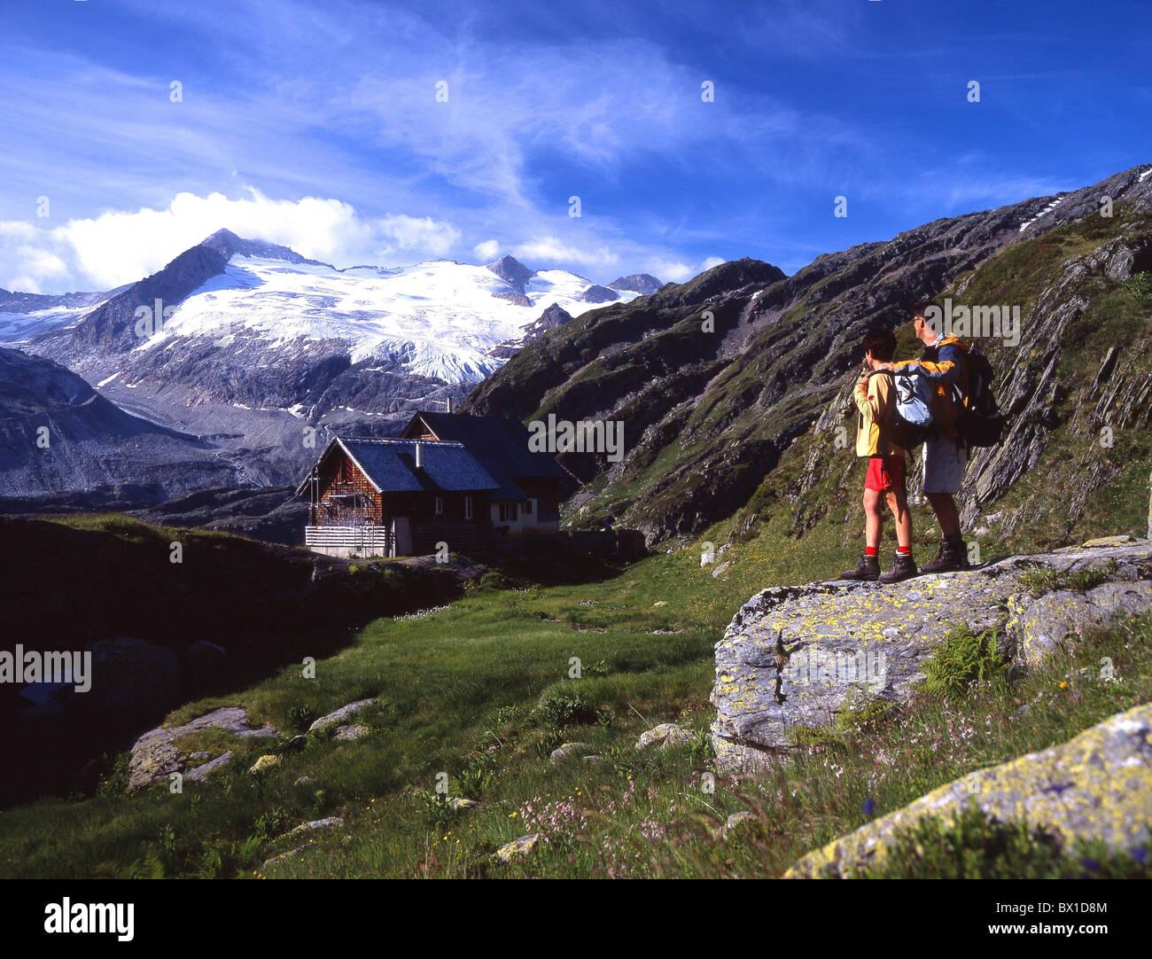 Alpes aventures Canton de Berne Oberland Bernois couple Gauli Gauli Glacier randonnée en montagne cabane cabane Banque D'Images