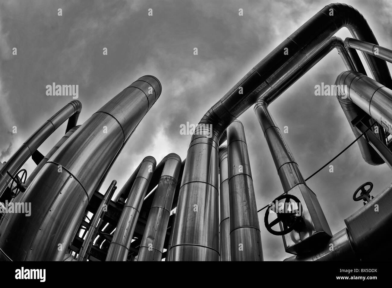 Pris dans l'installation d'un système géothermique image prise en couleur et transmis à b&w Photo Stock