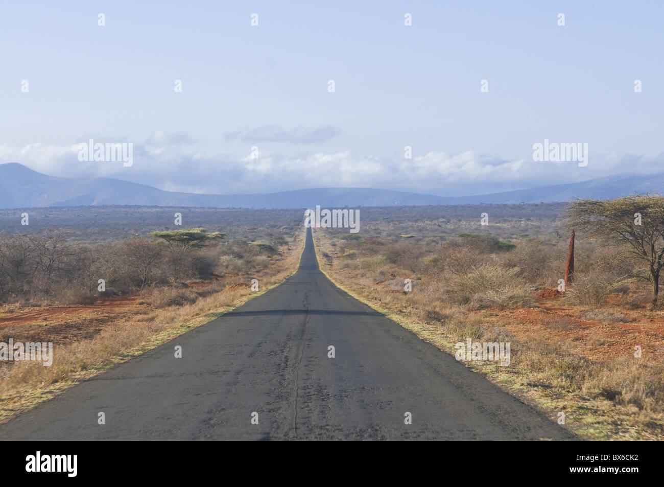 Droit Chemin menant vers le Kenya au sud de l'Éthiopie, l'Afrique Photo Stock