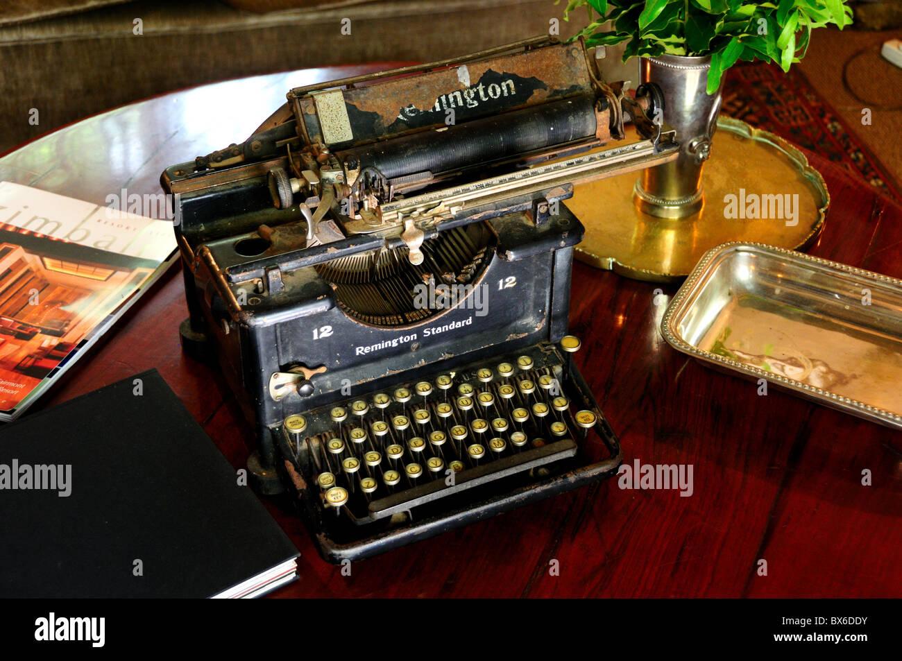 typewriter remington photos typewriter remington images alamy. Black Bedroom Furniture Sets. Home Design Ideas
