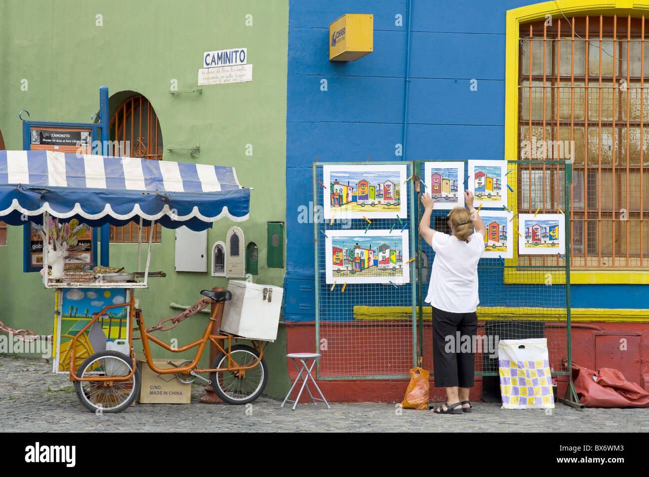 Vendeur sur El Caminito Street dans le quartier de La Boca de Buenos Aires, Argentine, Amérique du Sud Photo Stock