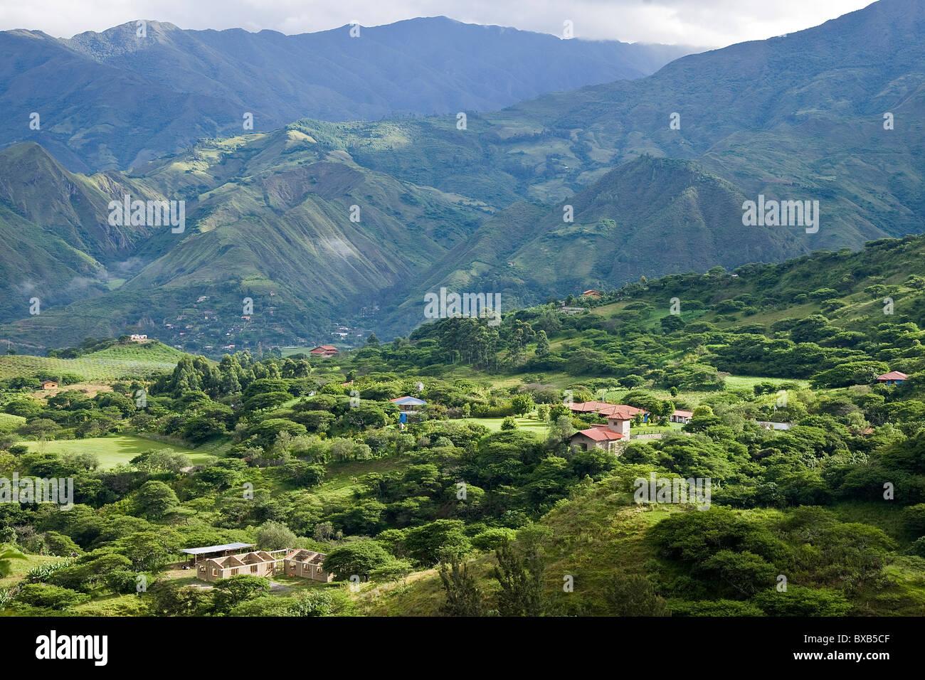 Voir les chaînes de montagnes des Andes Photo Stock