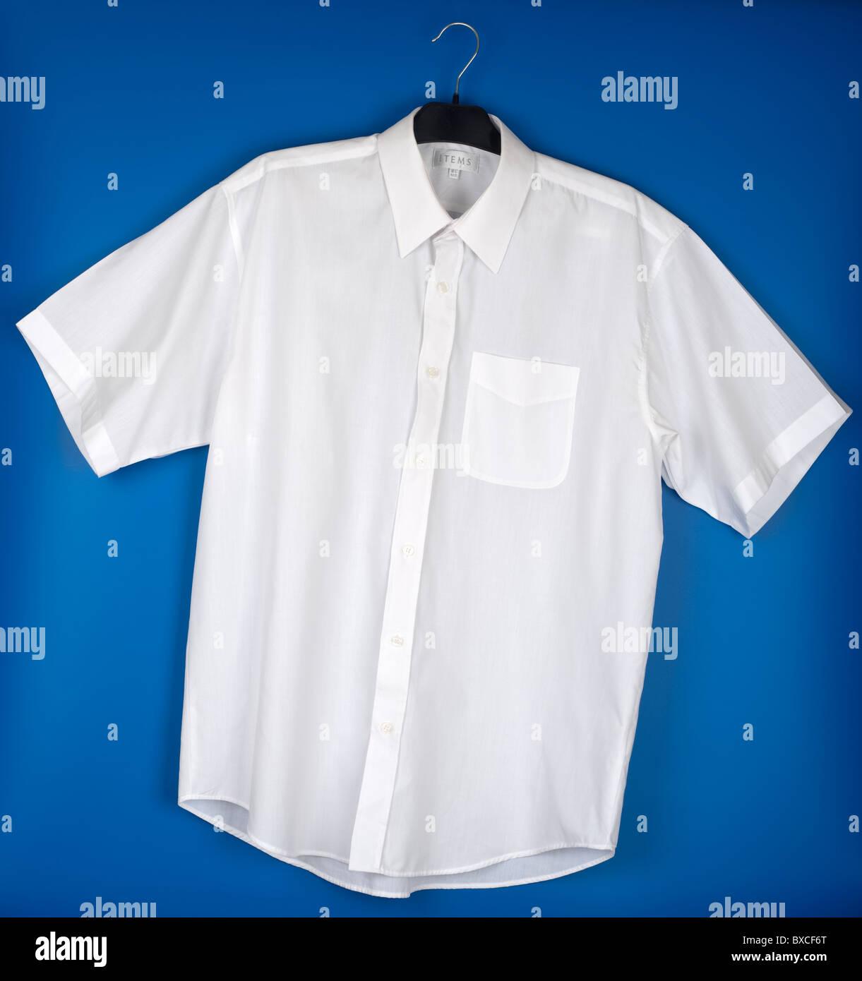 Mens 16 et demi, chemise blanche à manches courtes Photo Stock