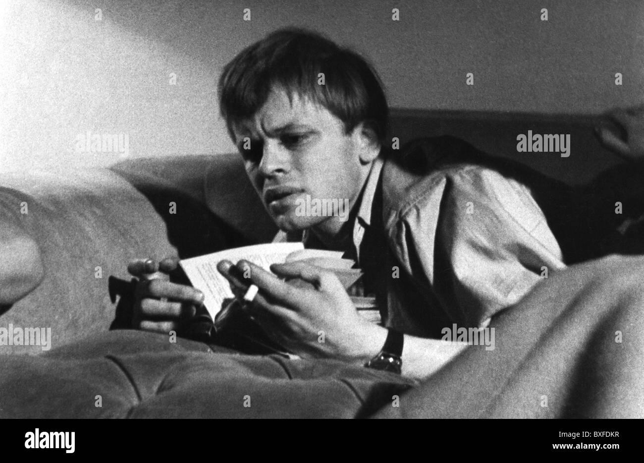 Kinski, Klaus, 18.10.1926 - 23.11.1991, acteur allemand, lire 'l'Idiot de Fiodor Dostoïevski, Berlin, Photo Stock