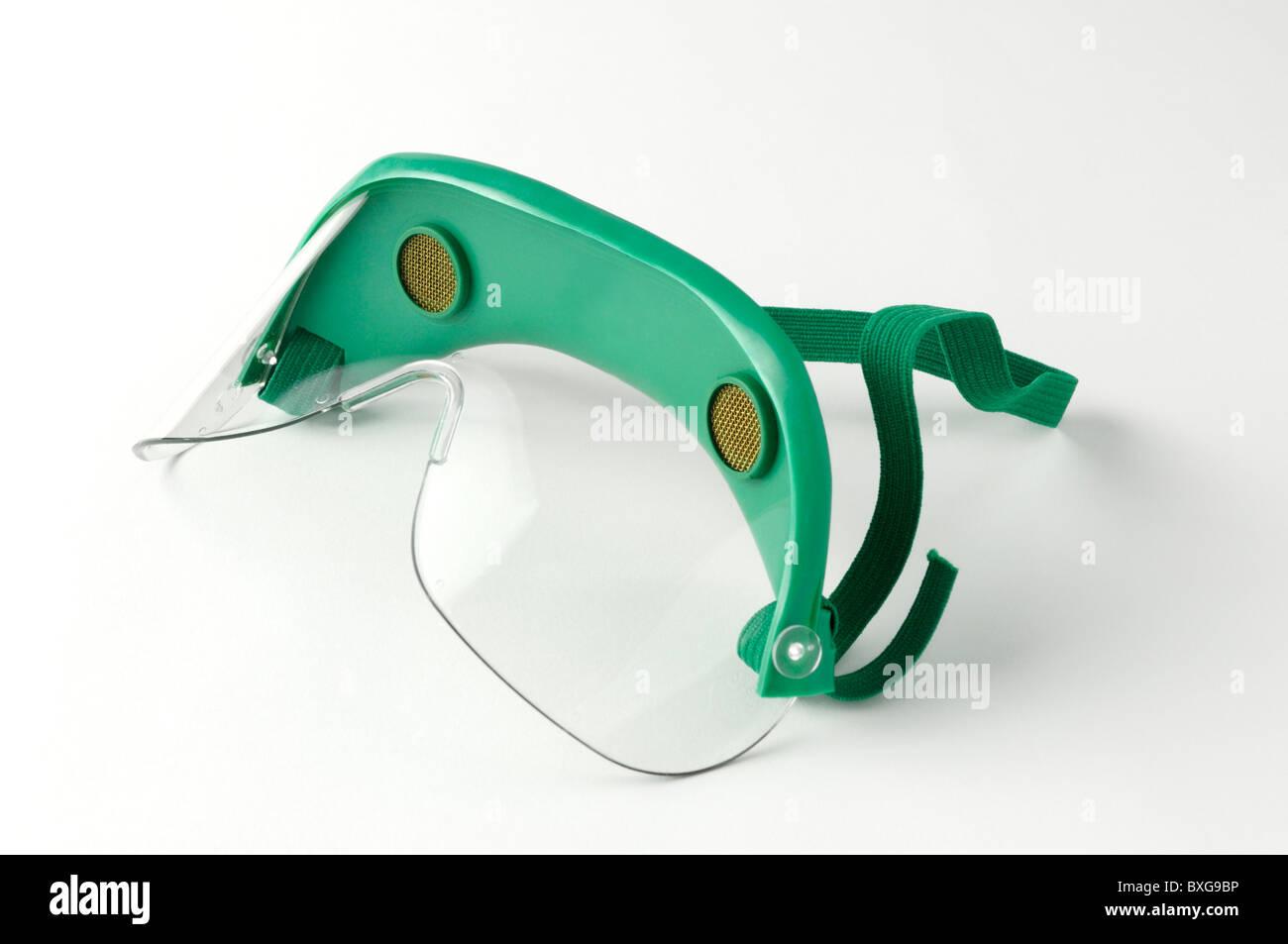 Des lunettes de protection pour une utilisation dans les laboratoires de recherche et les cours de science Photo Stock