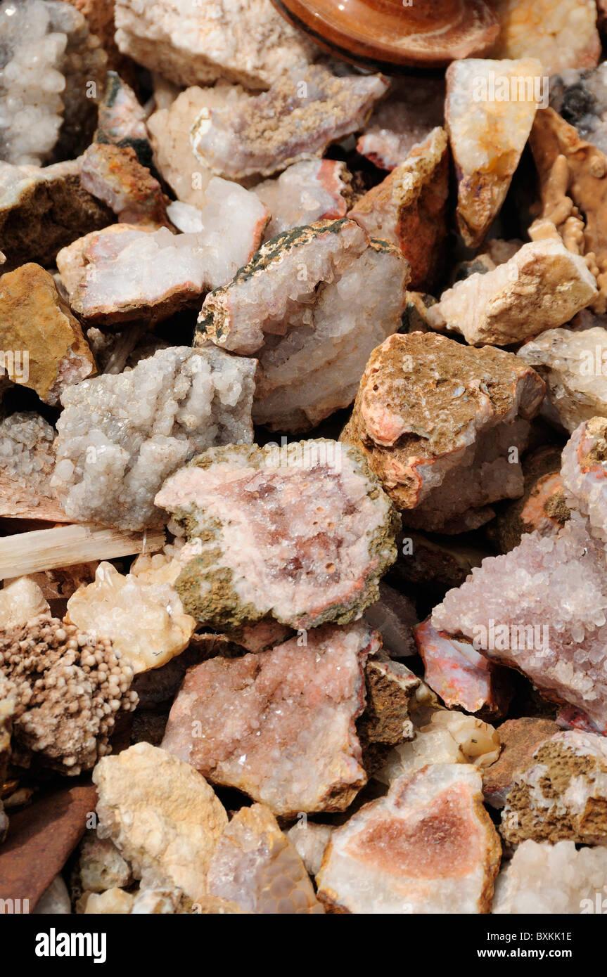 Fossiles à vendre avec vue sur la vallée, nr 468, Tiz-n-Tichka Photo Stock