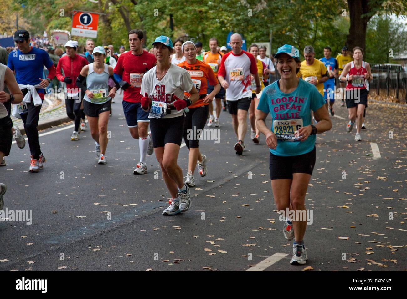 Ossature en compétition dans Central Park en 2009 New York City Marathon Photo Stock