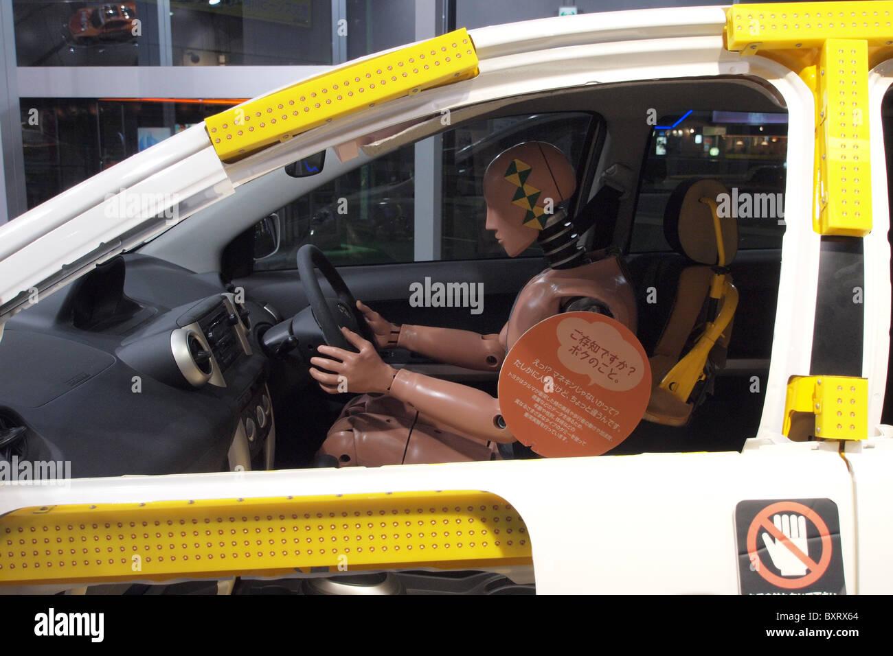 Cage de sécurité voiture NCAP crash test dummy châssis cellulaire Photo Stock