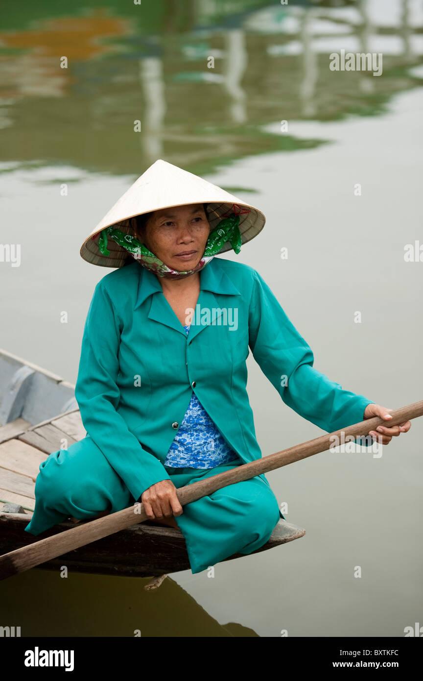 Canoë sur la rivière Thu Bon, Hoi An, Vietnam Photo Stock
