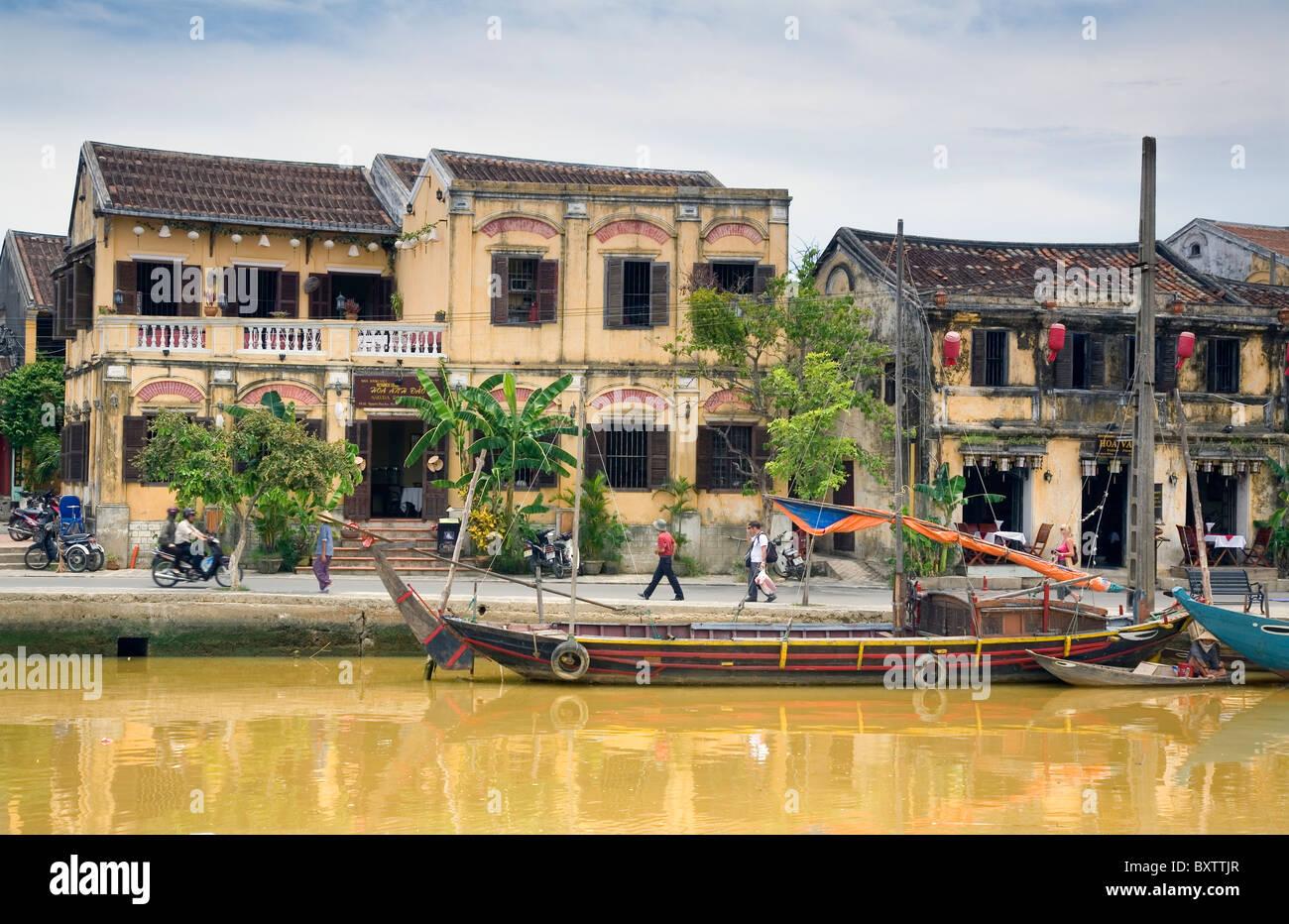 Maisons et rivière Thu Bon. Hoi An, Vietnam, Asie. Photo Stock