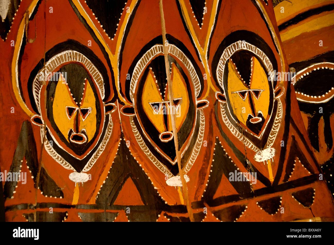 La Papouasie-Nouvelle-Guinée Asmat Indonésie artisanat art museum Photo Stock