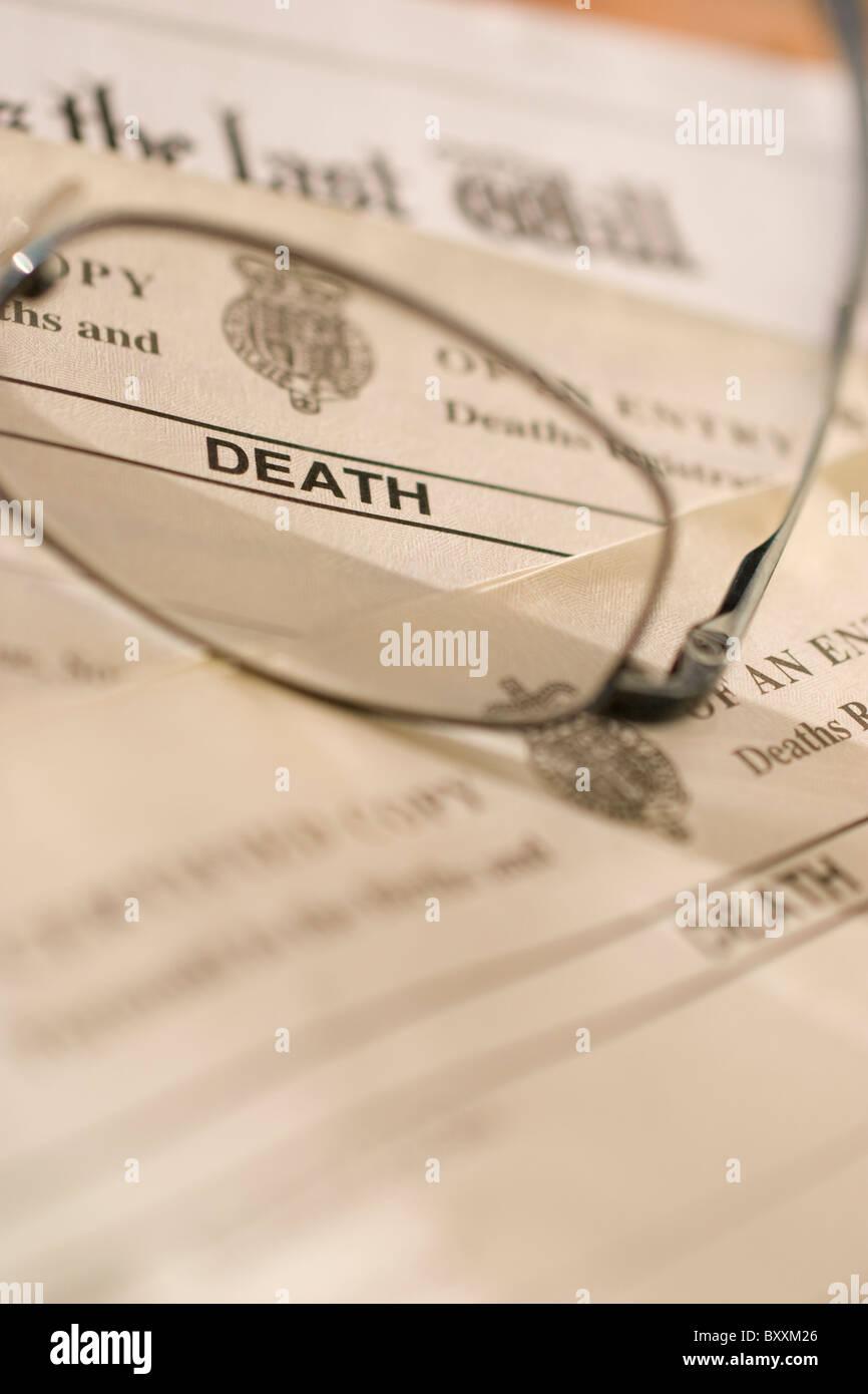 UK Certificat de décès, certificats, avec dernier testament Photo Stock