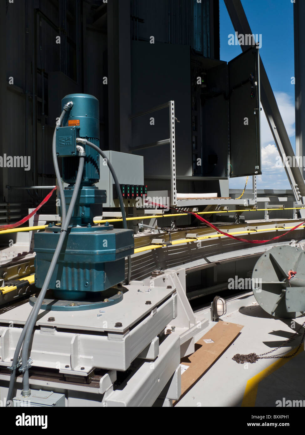 Découvrez le moteur de la coupole du télescope de canal près de Flagstaff, Arizona Photo Stock