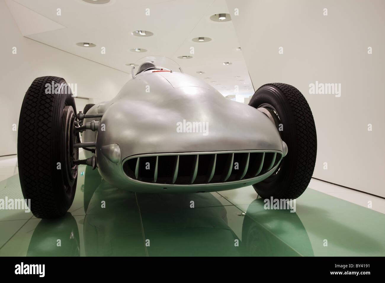 Allemagne, Stuttgart, Porsche Museum, 1947 Porsche 360 Cisitalia sur l'affichage Photo Stock