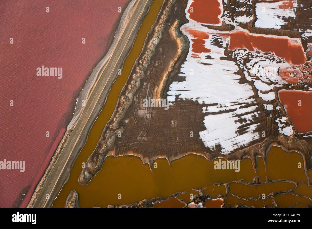 Salt works, vue aérienne, Désert du Namib, Namibie Photo Stock