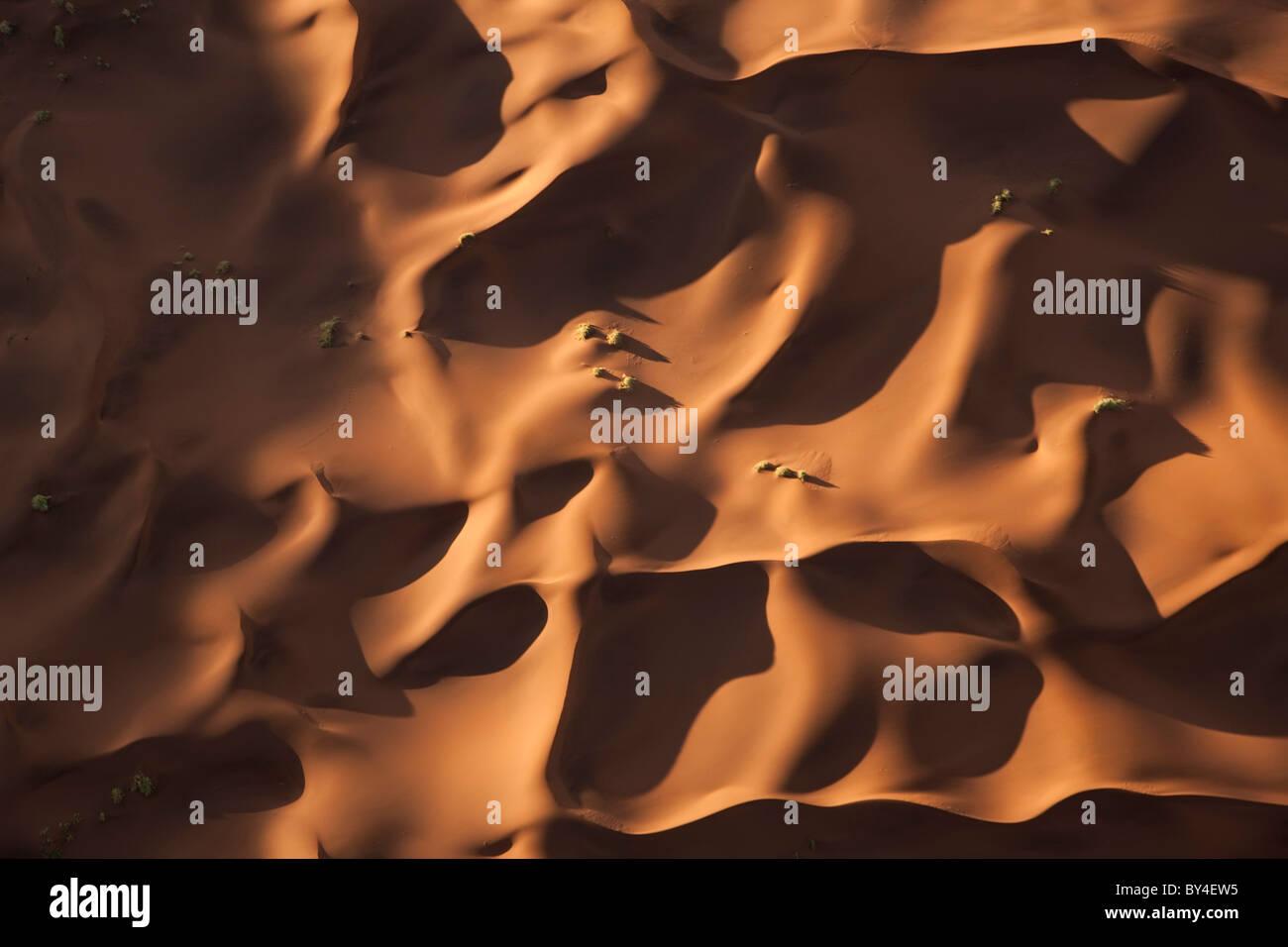 Vue aérienne sur des dunes de sable, Désert du Namib, Namibie Photo Stock