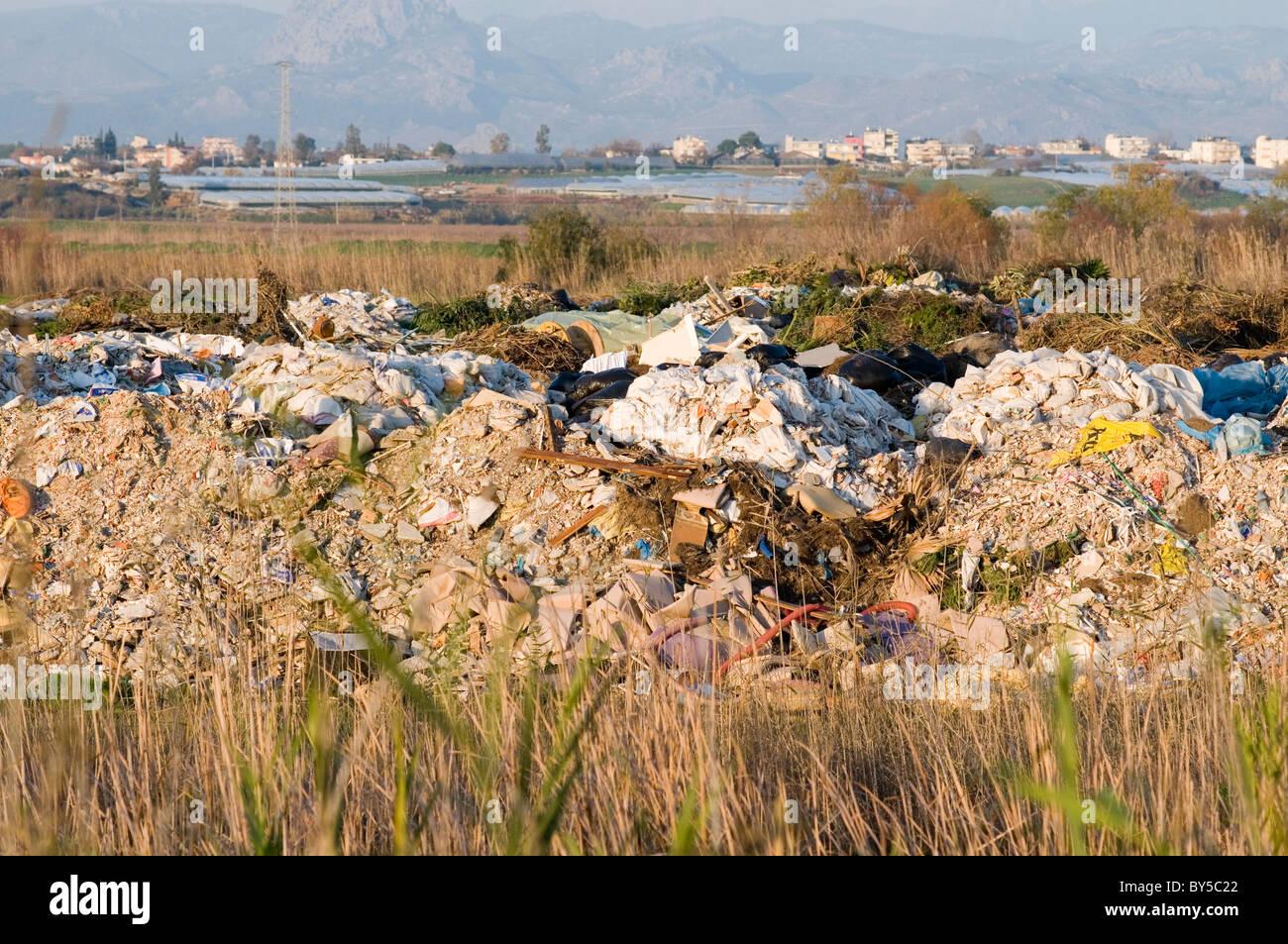 Site d'enfouissement enfouissement déchets sites trash junk taxes Taxe de pollution atmosphérique Photo Stock