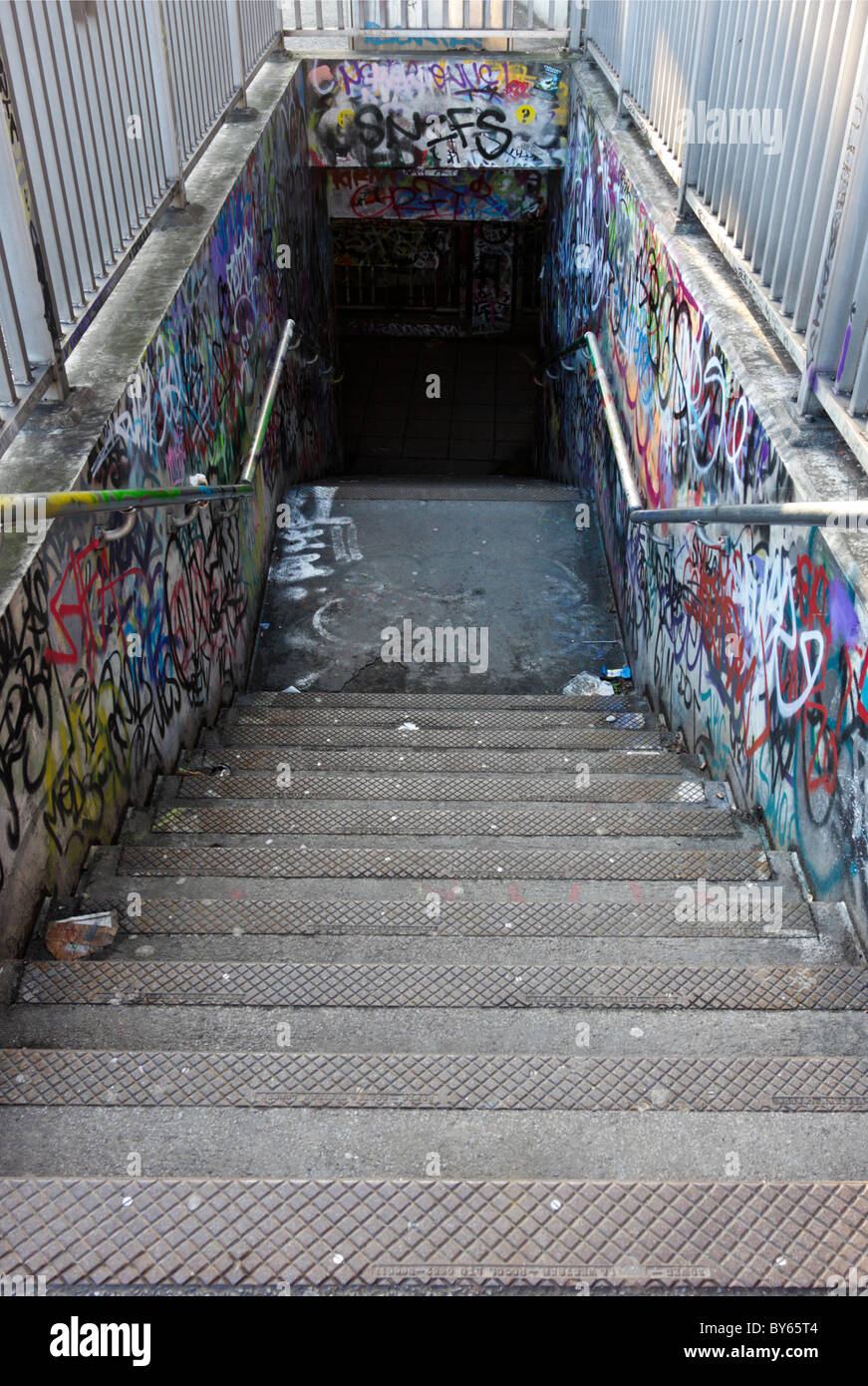 Graffiti d'escalier à la gare de Waterloo. Photo Stock