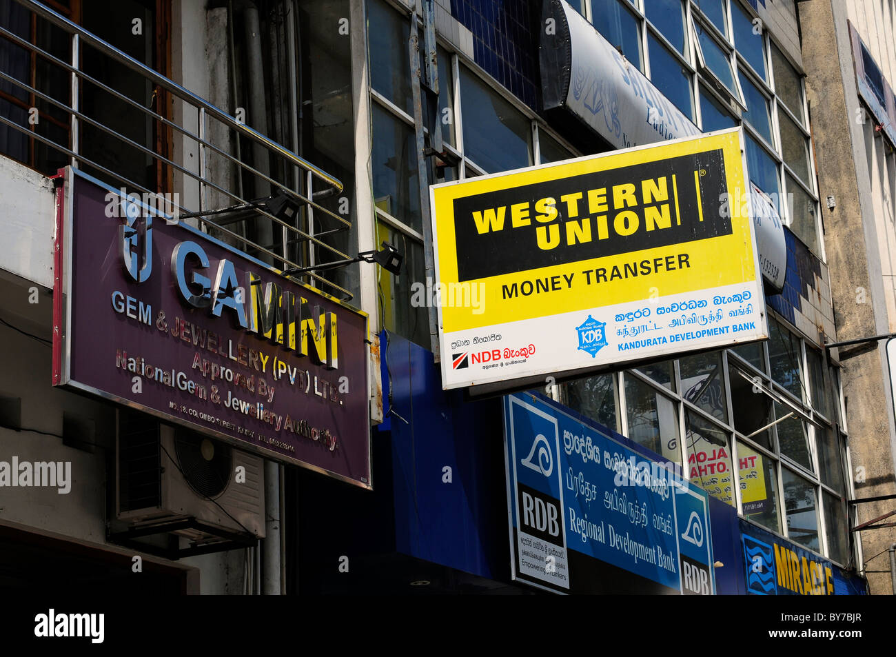 Western union sign photos western union sign images alamy