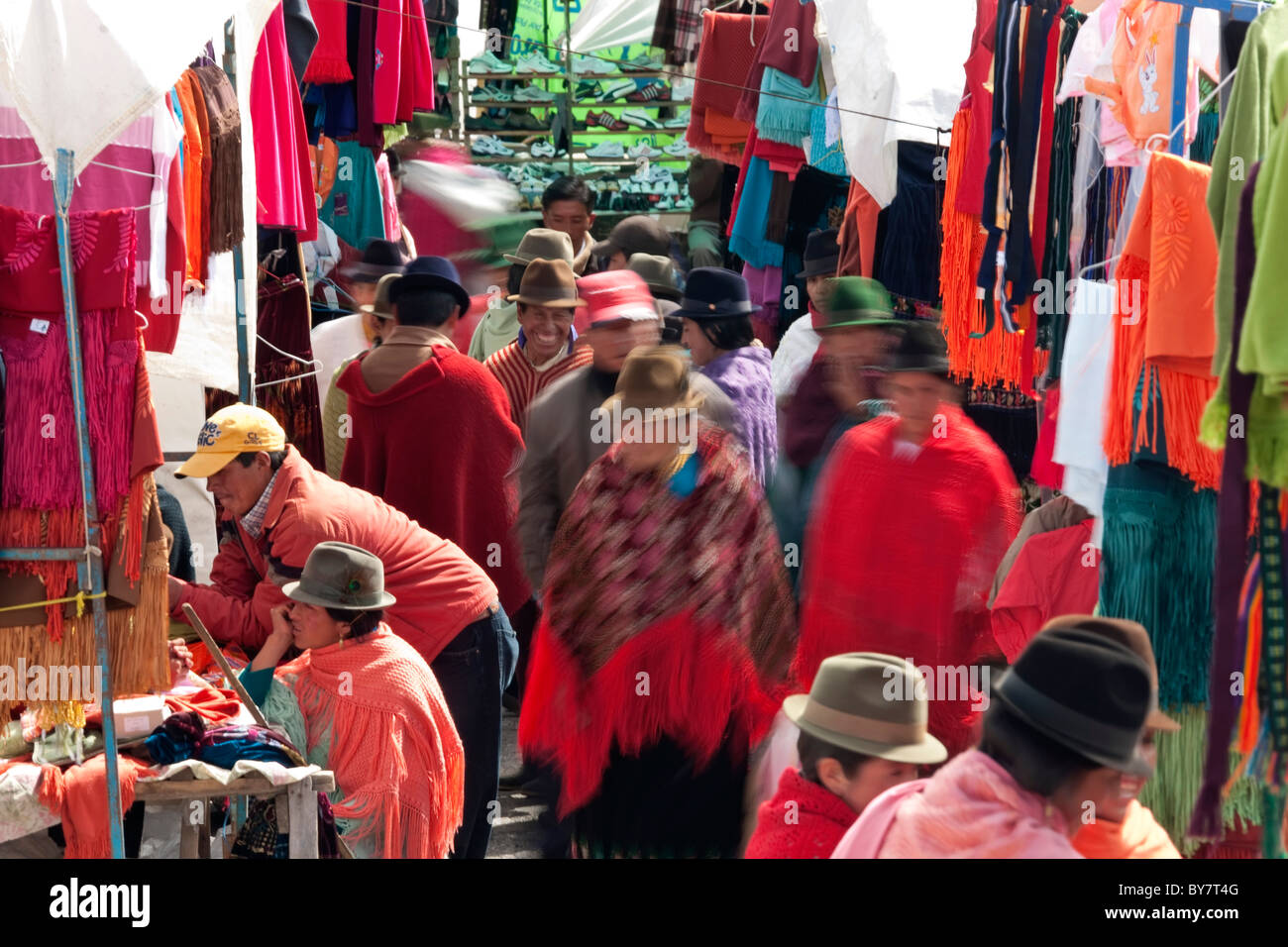 Zumbahua et marché artisanal, Zumbahua, nr Latacunga, Equateur Photo Stock