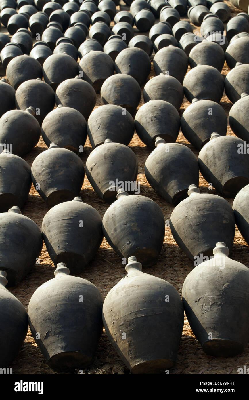 Poterie argile ligne dans Bhaktapur, Népal Banque D\'Images, Photo ...