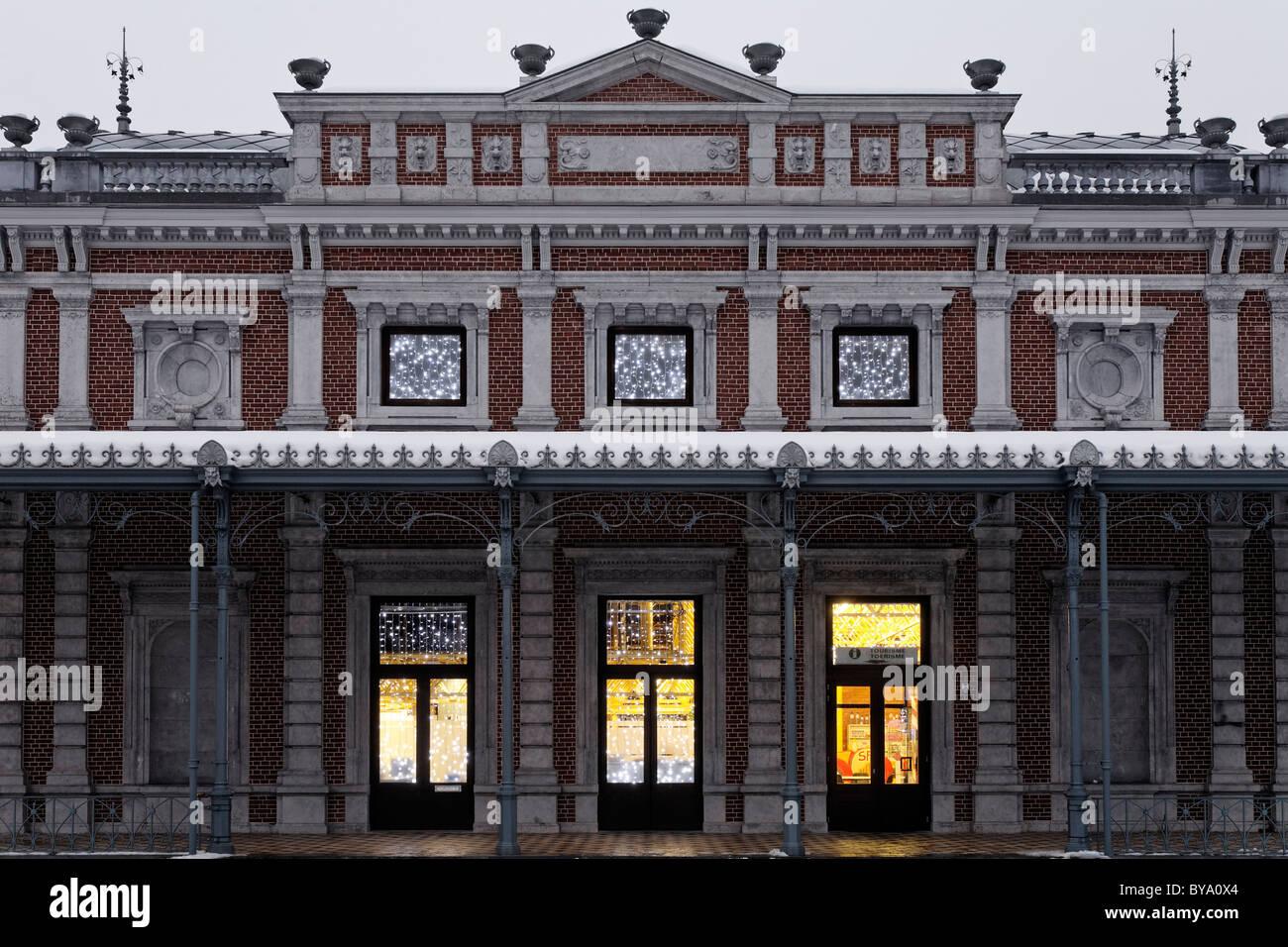 Le pavillon historique dans les jardins du spa, Parc de sept heures spa gardens, centre de santé, région des Ardennes, province de Liège Banque D'Images