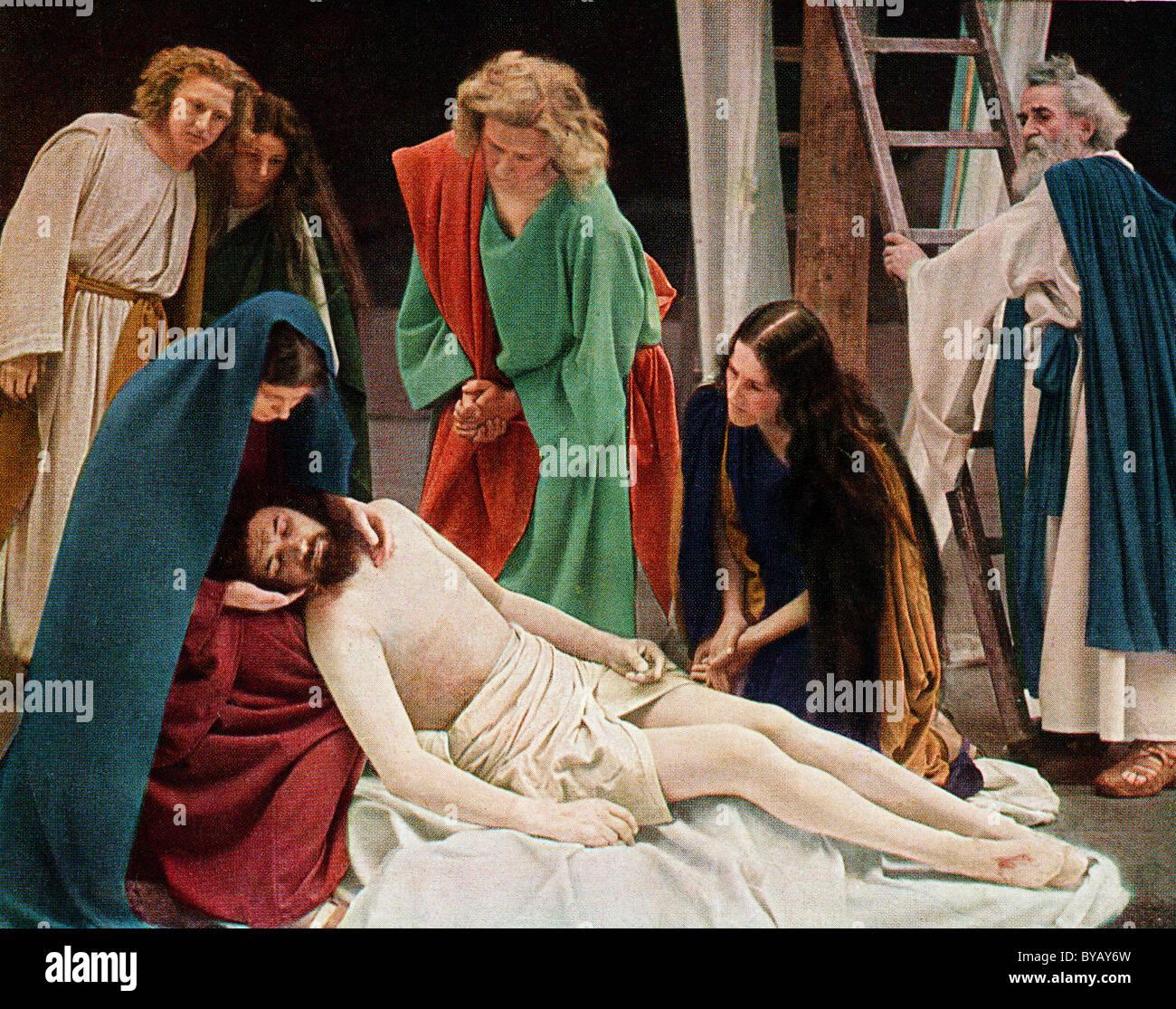 Après la crucifixion de Jésus avec Marie, sa mère, la couleur d'un Uvatypie post card template, Photo Stock