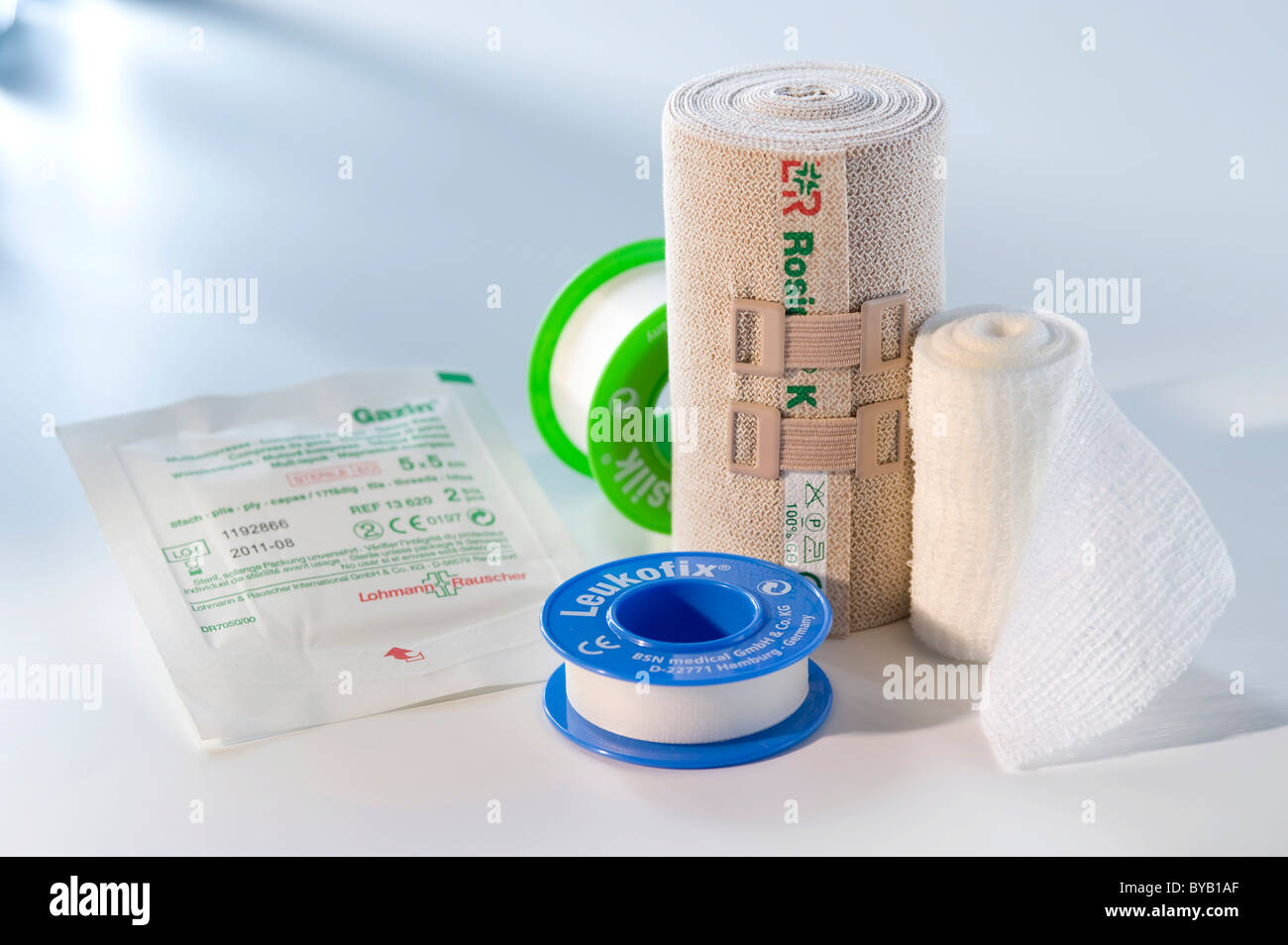Pansements, ruban adhésif médical, plâtre Photo Stock